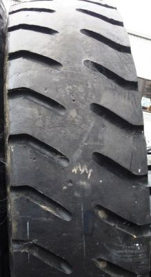 Retread New 2700R49